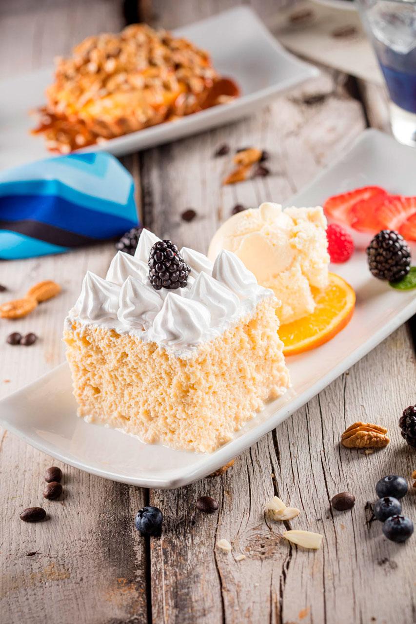 Pastel Tres Leches con helado extra