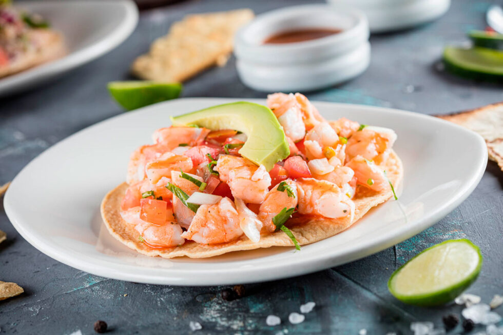 Tostada with cooked shrimp